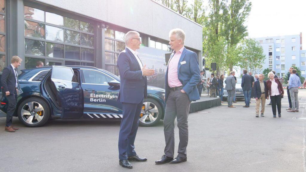 Links: Stefan Niemand, Leiter Elektrifizierung AUDI AG, rechts: Dr. Frank Amend, CCO Batterie & Hybrid, BELECTRIC GmbH
